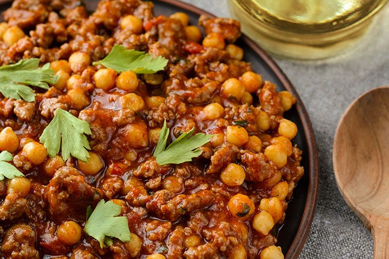 chil con carne with chickpeas