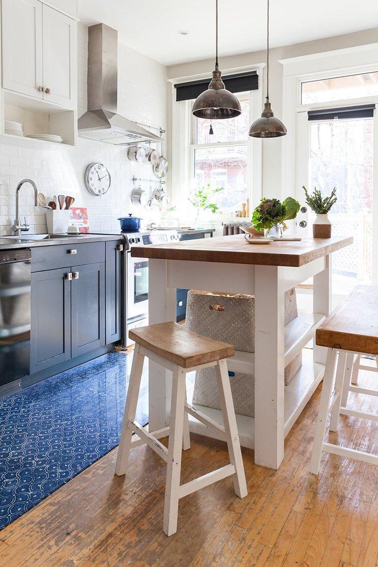 Lauren Kolyn kitchen island