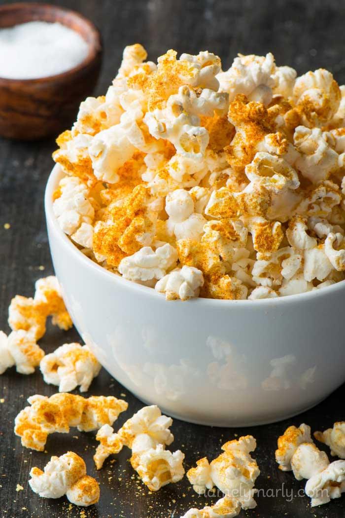 DIY Microwave Vegan Popcorn