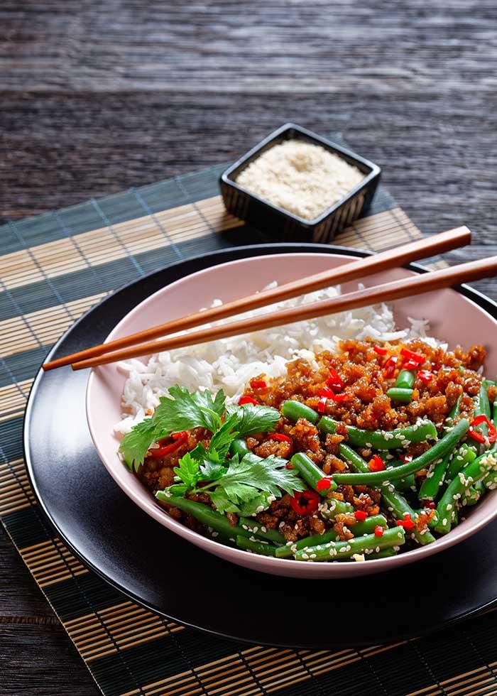 Asian basil minced pork pad kra pao
