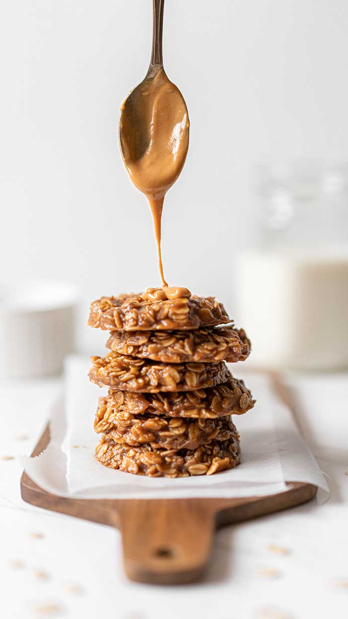 Morning Breakfast Energy Biscuit Cookies With Oats and Peanut Butter