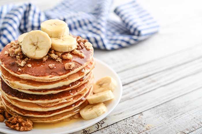 air fryer breakfast pancakes banana walnuts maple syrup