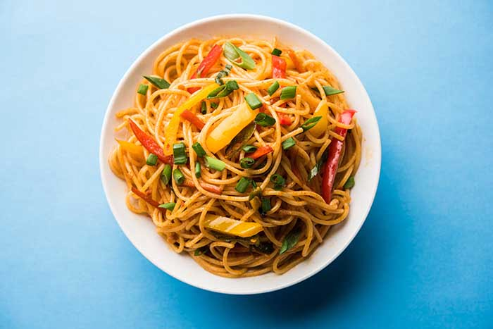 chow mein noodles on bowl