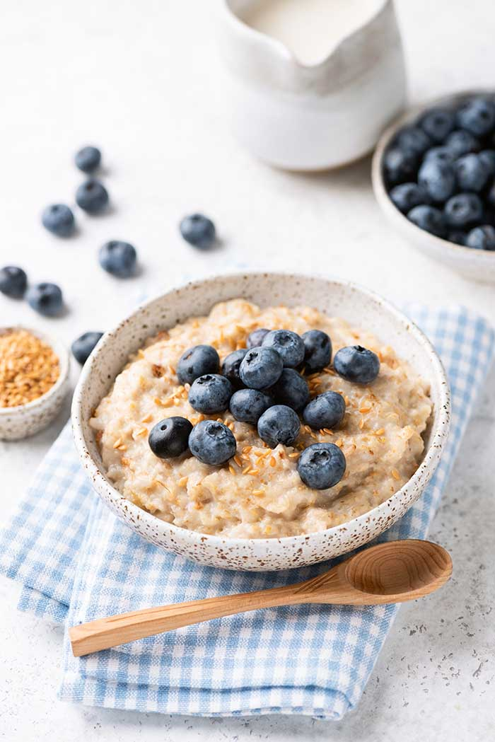 flaxseed oatmeal blueberries banana nuts maple syrup cinnamon breakfast