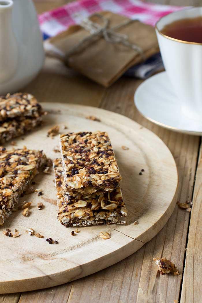 oat quinoa health bars